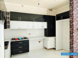 کابینت آشپزخانه هایگلاس سفید و سیاه