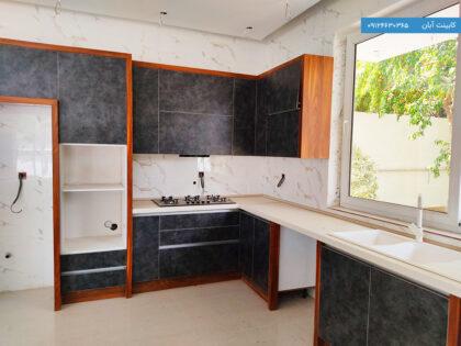 نمونه کابینت آشپزخانه مدرن تیره رنگ